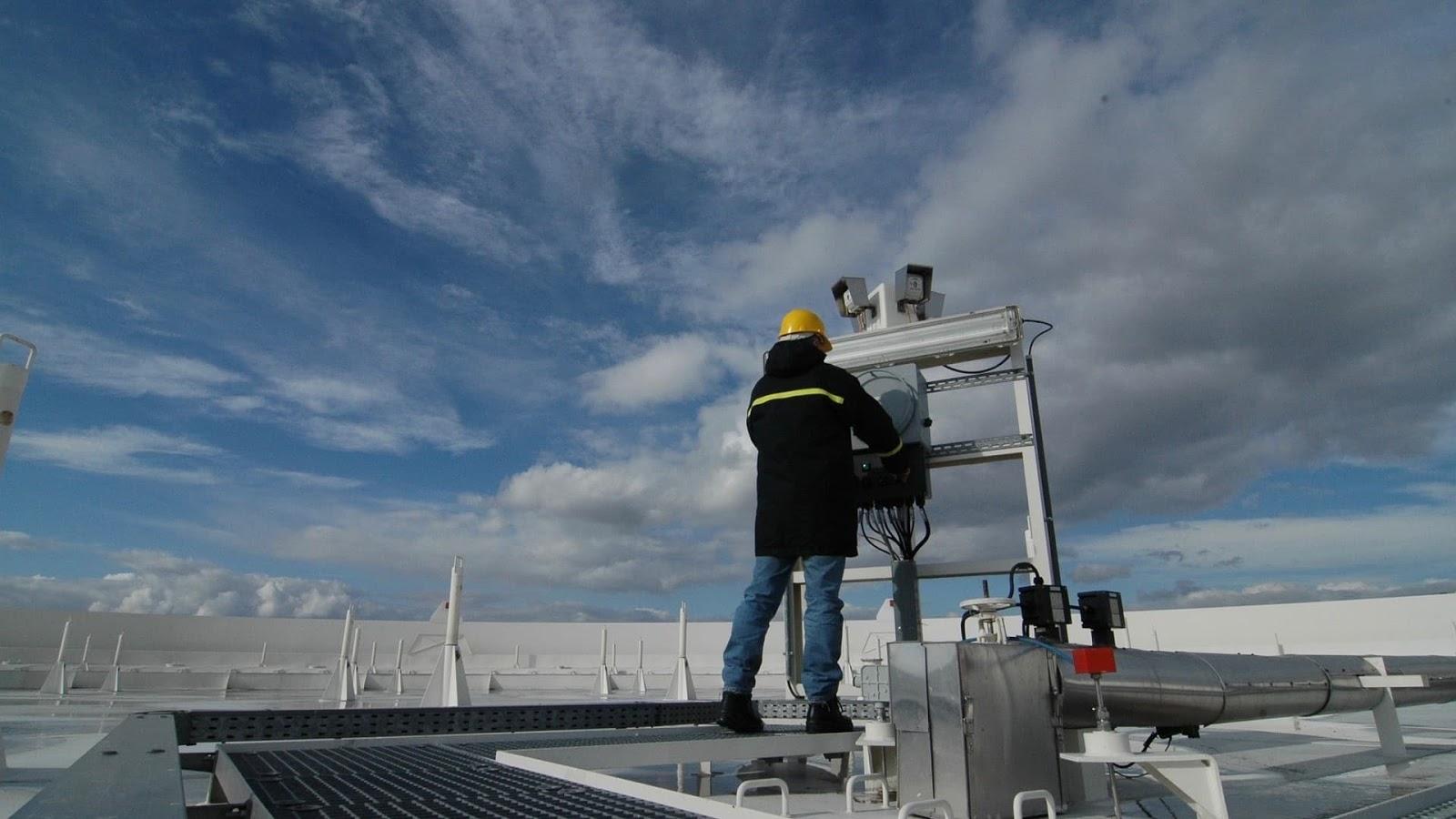 HVAC service technicians