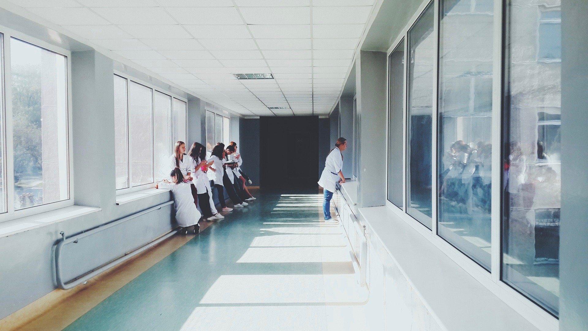 doctors-2607295_1920 2